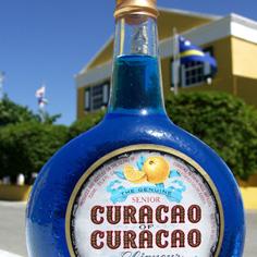 Muzik di Zumbi (Blue Curaçao en Mango cocktail)
